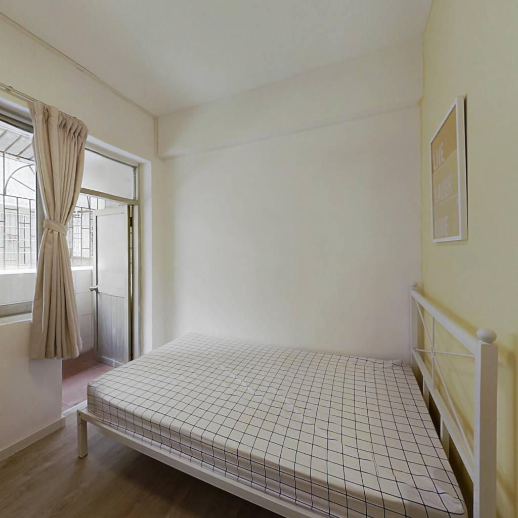 合租·聚德花园 4室1厅 南卧室图