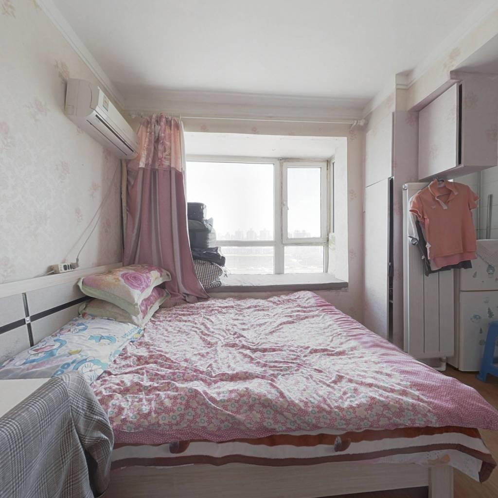 :商品房 封闭小区 地热供暖 适宜出租 环境舒适