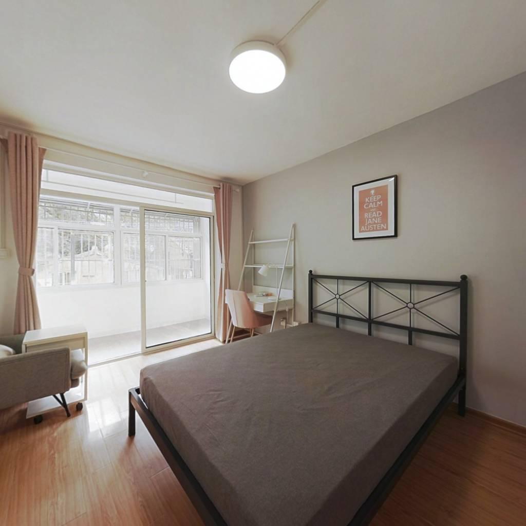 合租·丰富路 3室1厅 北卧室图