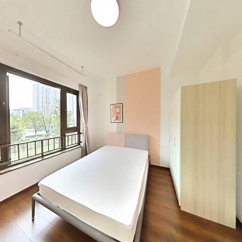 合租·颐和公馆 5室1厅 北卧室图