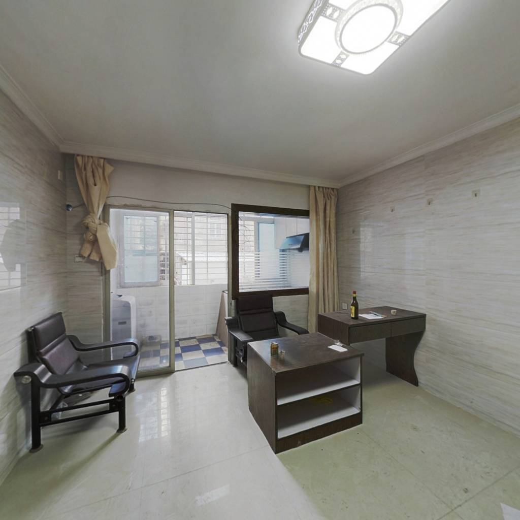 晋兴国际公寓 1室0厅 西