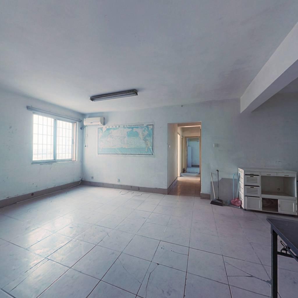三房两厅 可看海景,全明通透、舒适,交通方便,