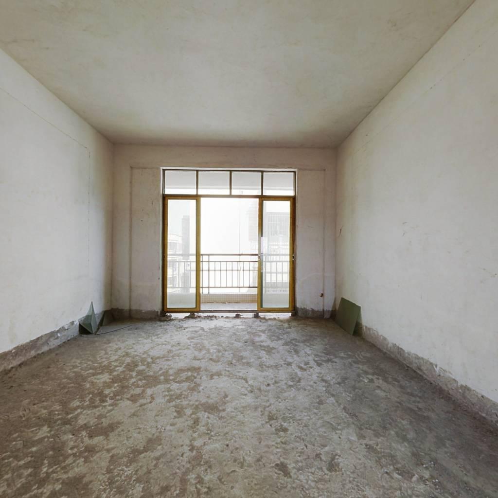 回归路小区  两房可 税费低 随时看房