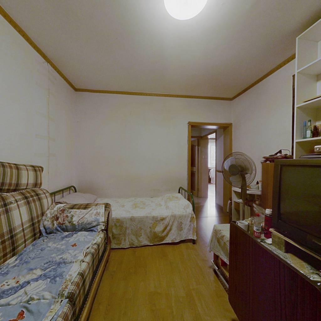 正规西南两居室,诚心出售,满五年唯一