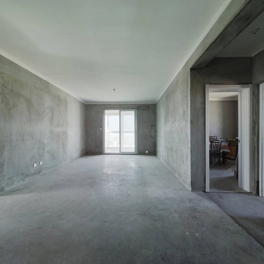 创维佳园简装,满两年,高楼层,毛坯房。