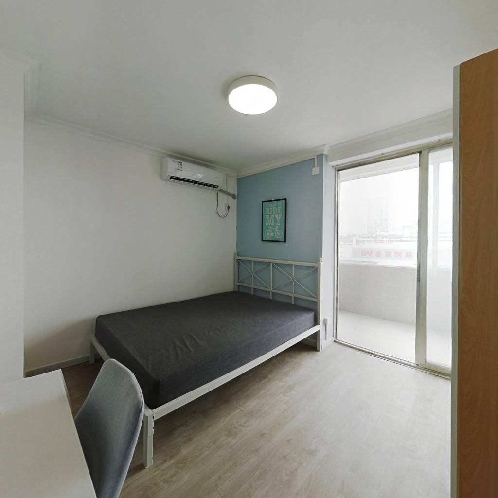 合租·光华大厦 3室1厅 西卧室图