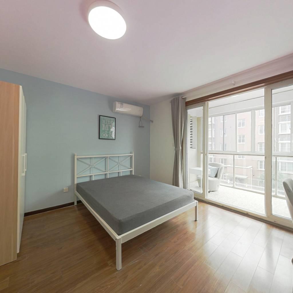 合租·汇丰荷苑 3室1厅 南卧室图
