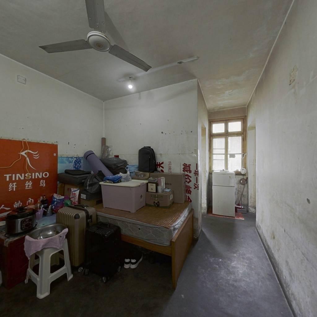 振业小区,车站路上,正规一室一厅朝南户型,很诚心