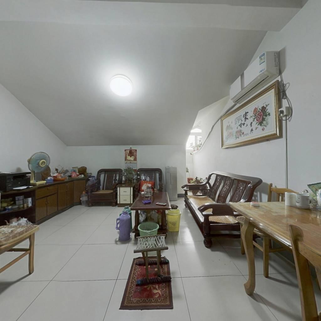 三室一厅,老石麟长清一中,配套完善交通方便。