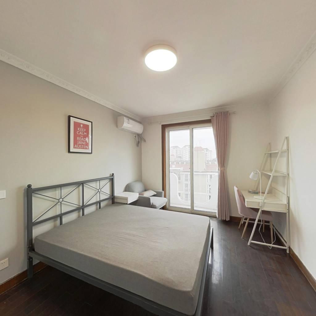 合租·贵龙园 3室1厅 南卧室图