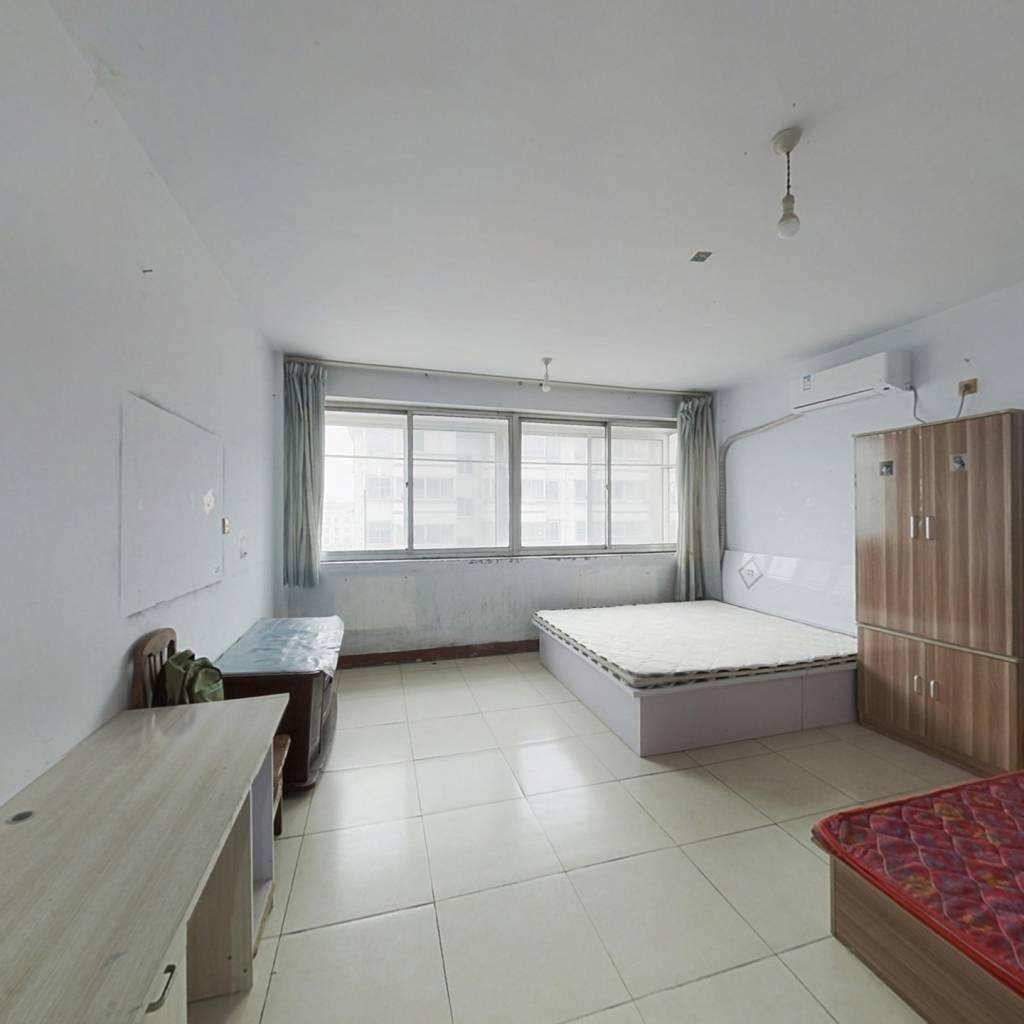 富水小区  精装二楼  带20平地上小房,小房改造可住人