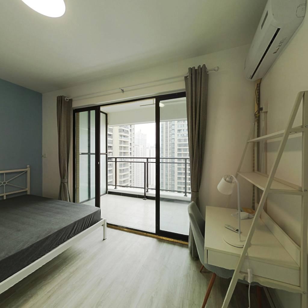 合租·北大资源颐和翡翠府 4室1厅 西卧室图