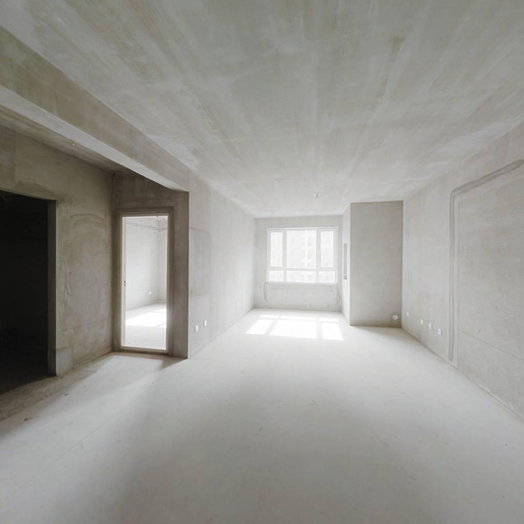 远洋荣域B3区 2室2厅 175万