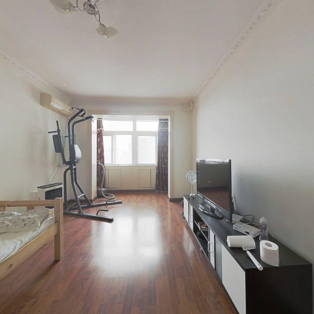 东城和平里 带电梯正规一居室 高楼层采光视野好