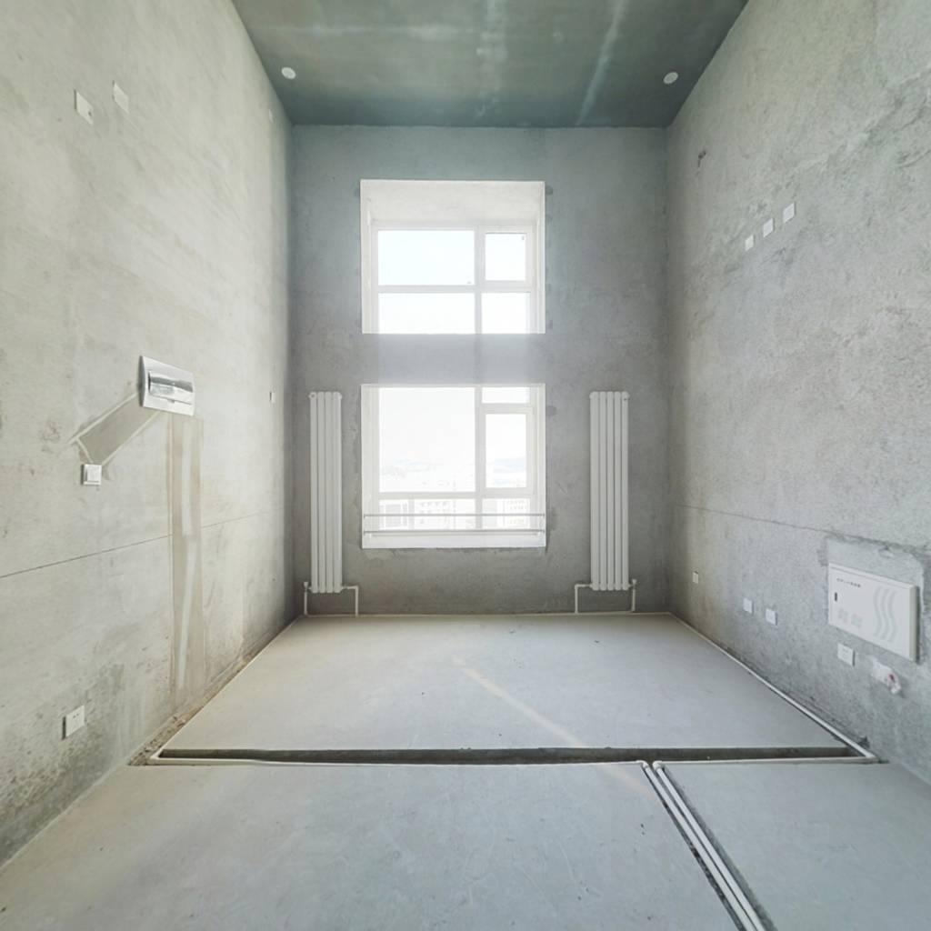 大连北站复式结构公寓 上下两层朝向好 毛坯现房