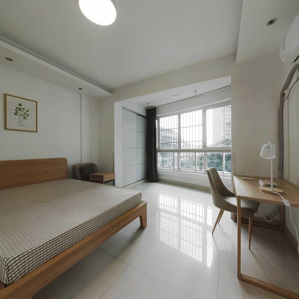 合租·东方新城一期 3室1厅 西南卧室图