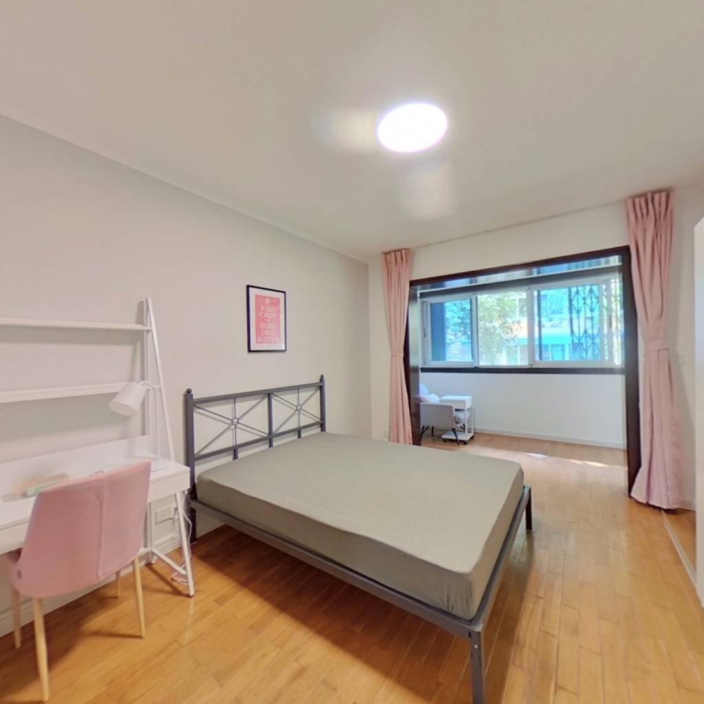 合租·百花邨 4室1厅 西北卧室图