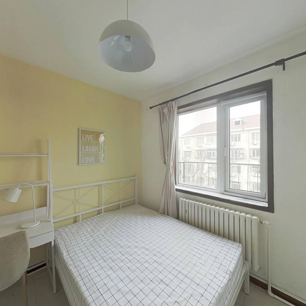 合租·盈江里 3室1厅 南卧室图