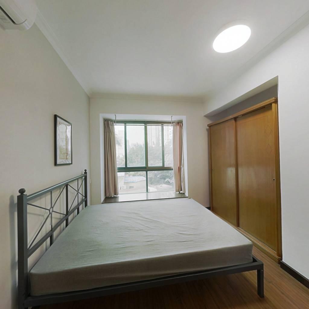合租·云景花园云桦苑 4室1厅 南卧室图