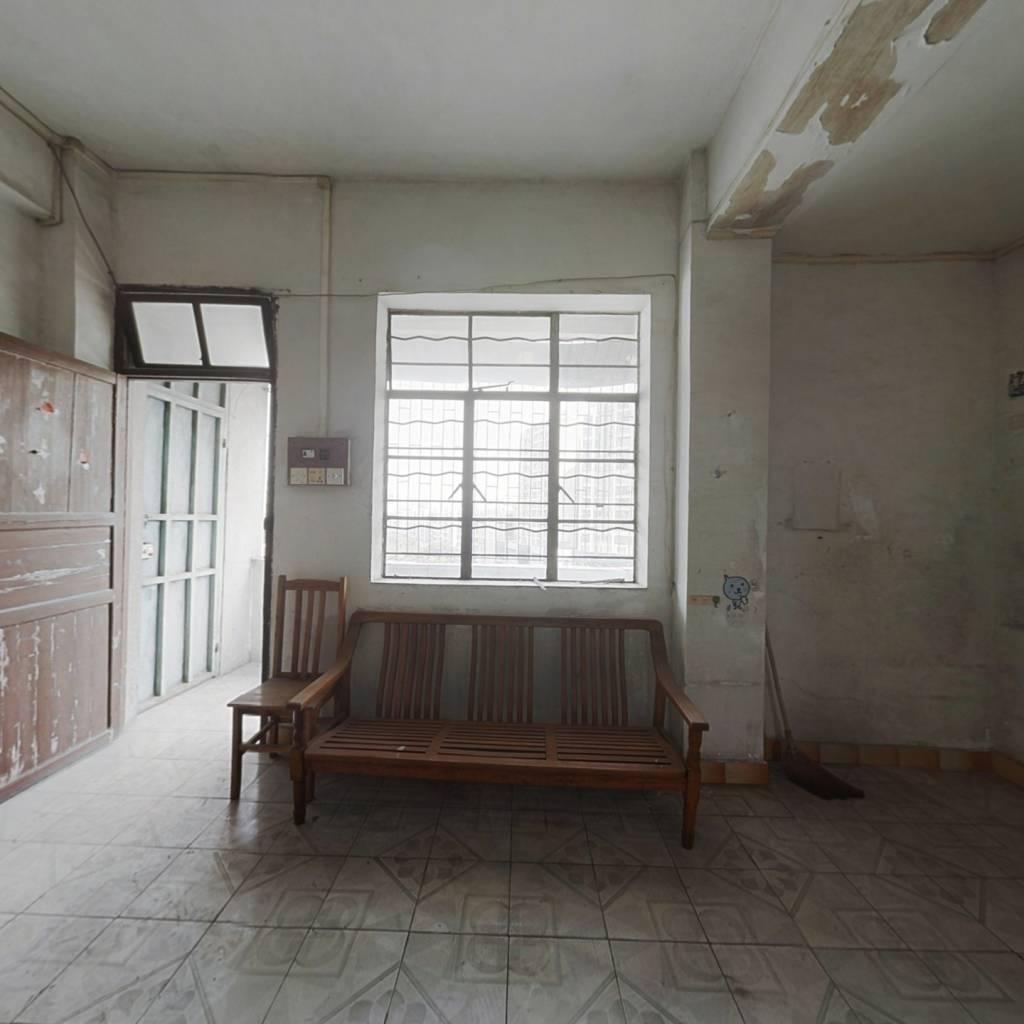 高层三房低总价 配套成熟 出入方便 采光充足