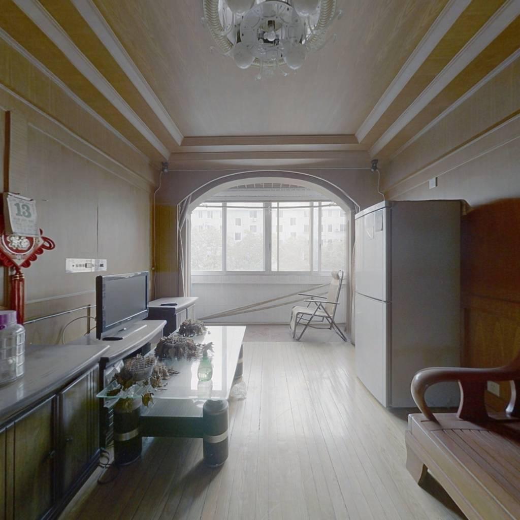 中间楼层,大三房,业主诚心出售,金山宜居