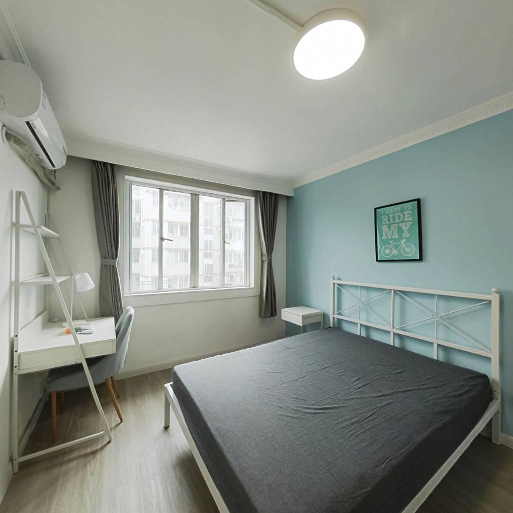 合租·宝山八村 3室1厅 南卧室图