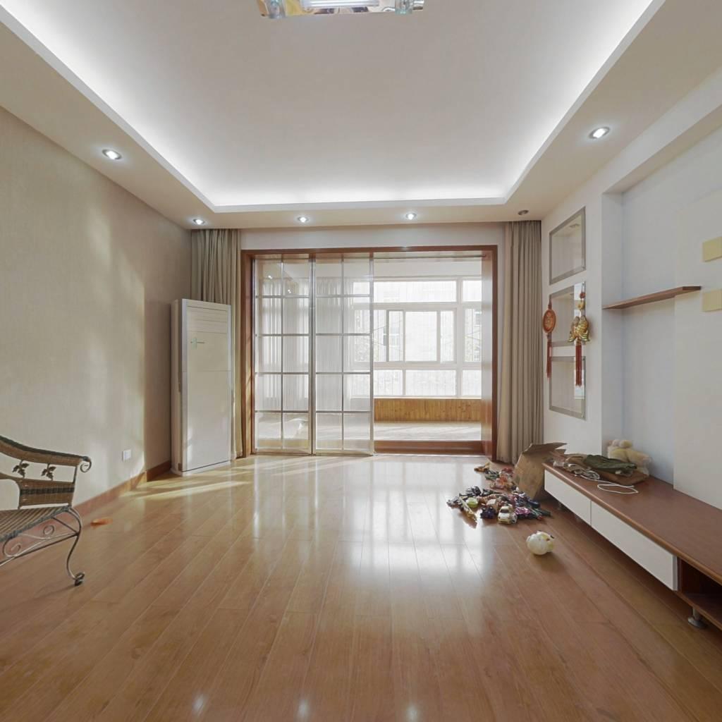 长清汇富南区精装三室,新房未住中间楼层,采光好