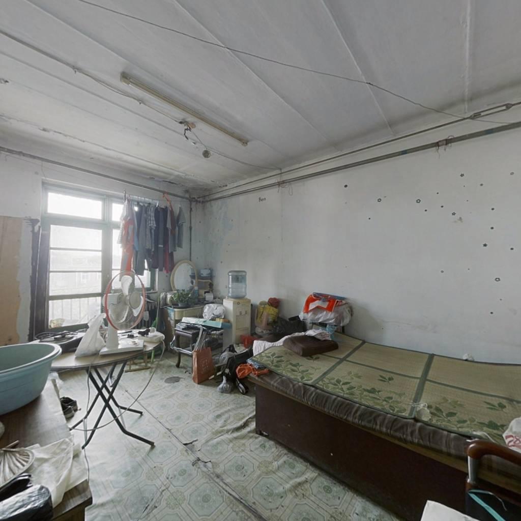 开元里四楼满两年的三室房四十万出售