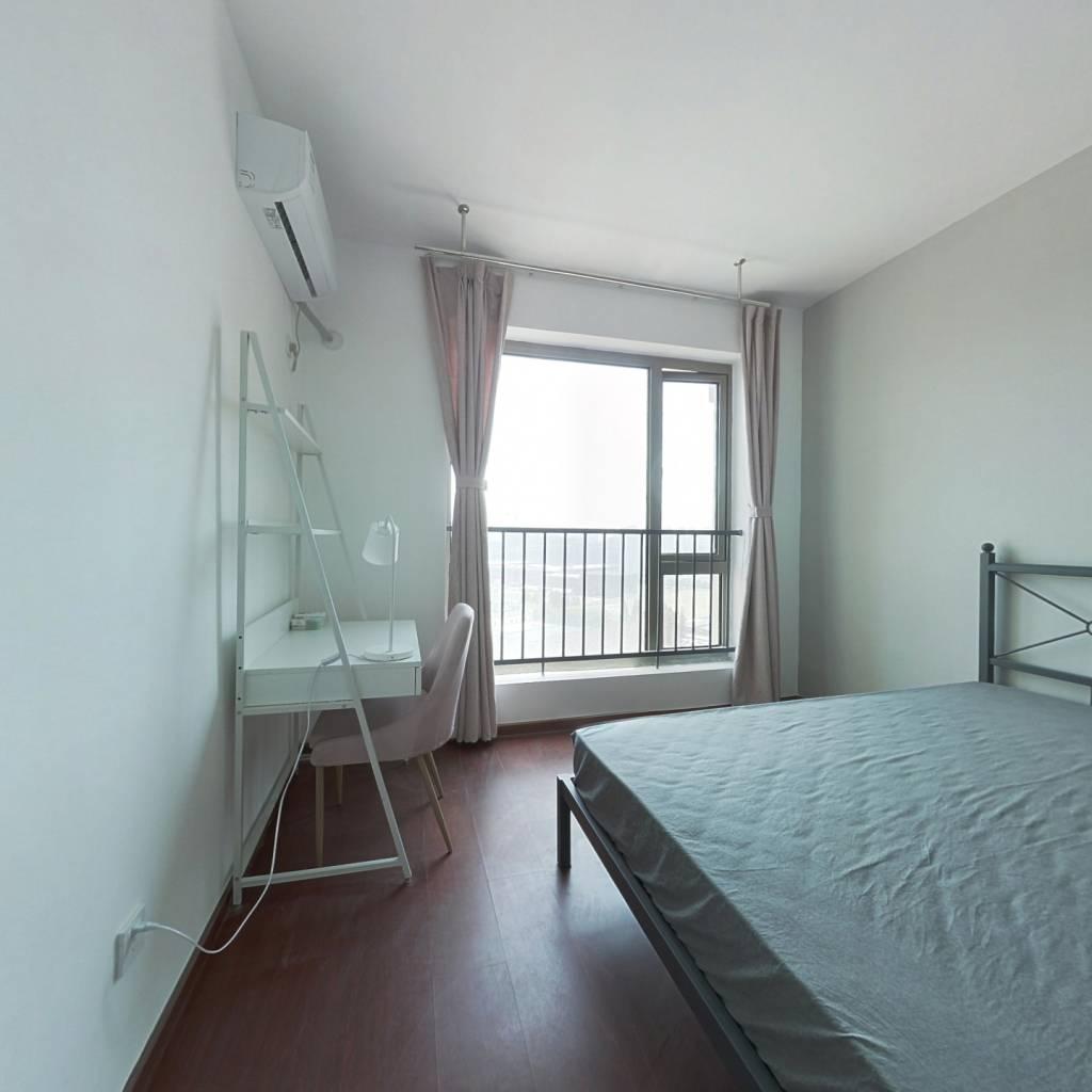 合租·阳光郡 4室1厅 南卧室图