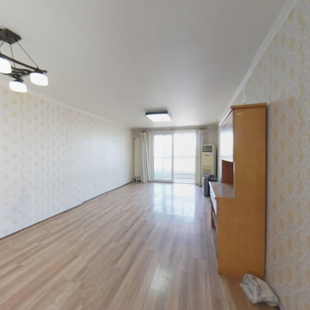 东三环,双井,东南两居室,配套成熟,临近地铁。