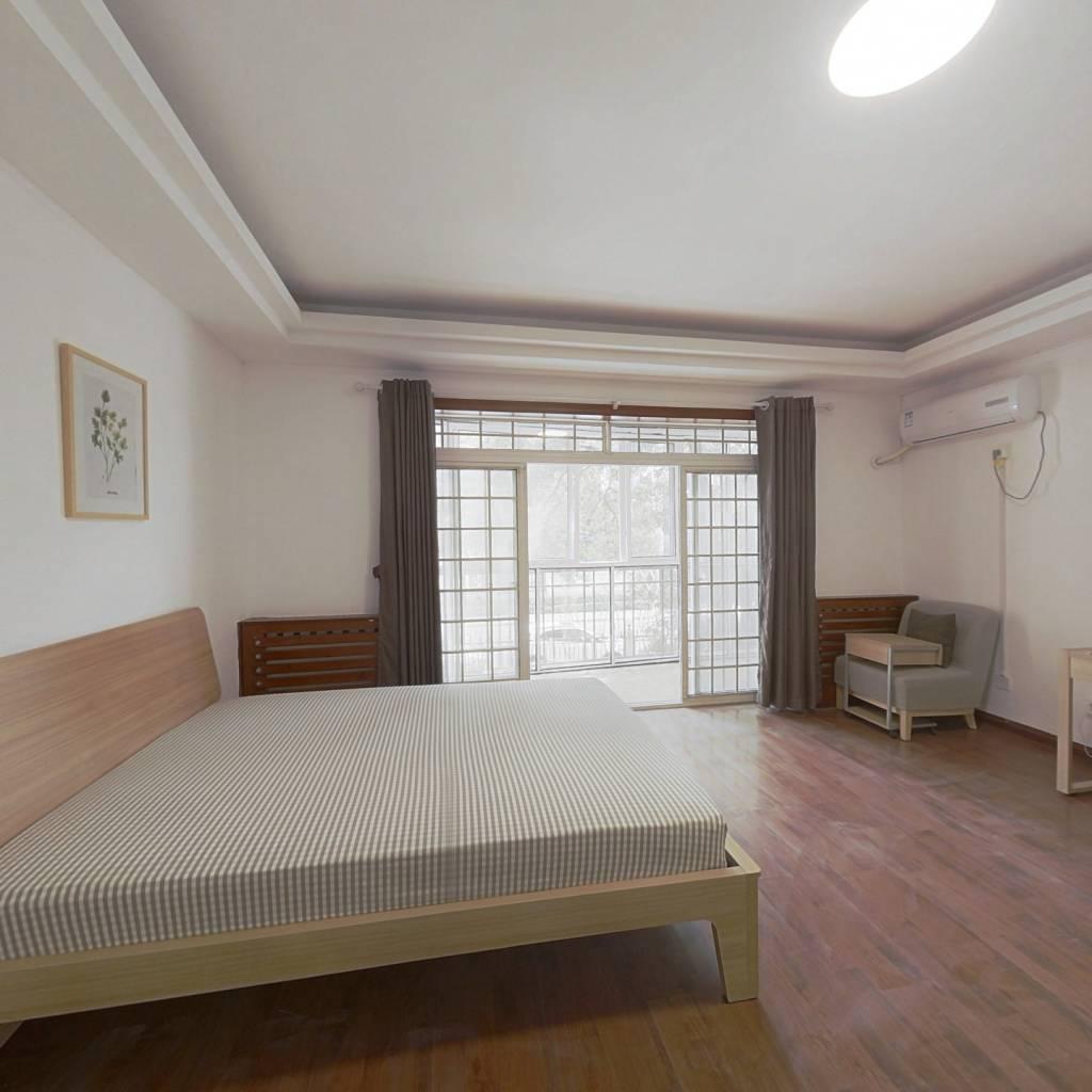 合租·伟鹏苑 4室1厅 北卧室图