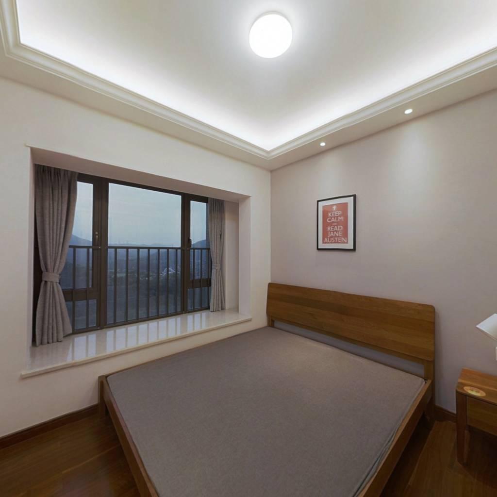 合租·龙光玖龙玺 5室1厅 西卧室图