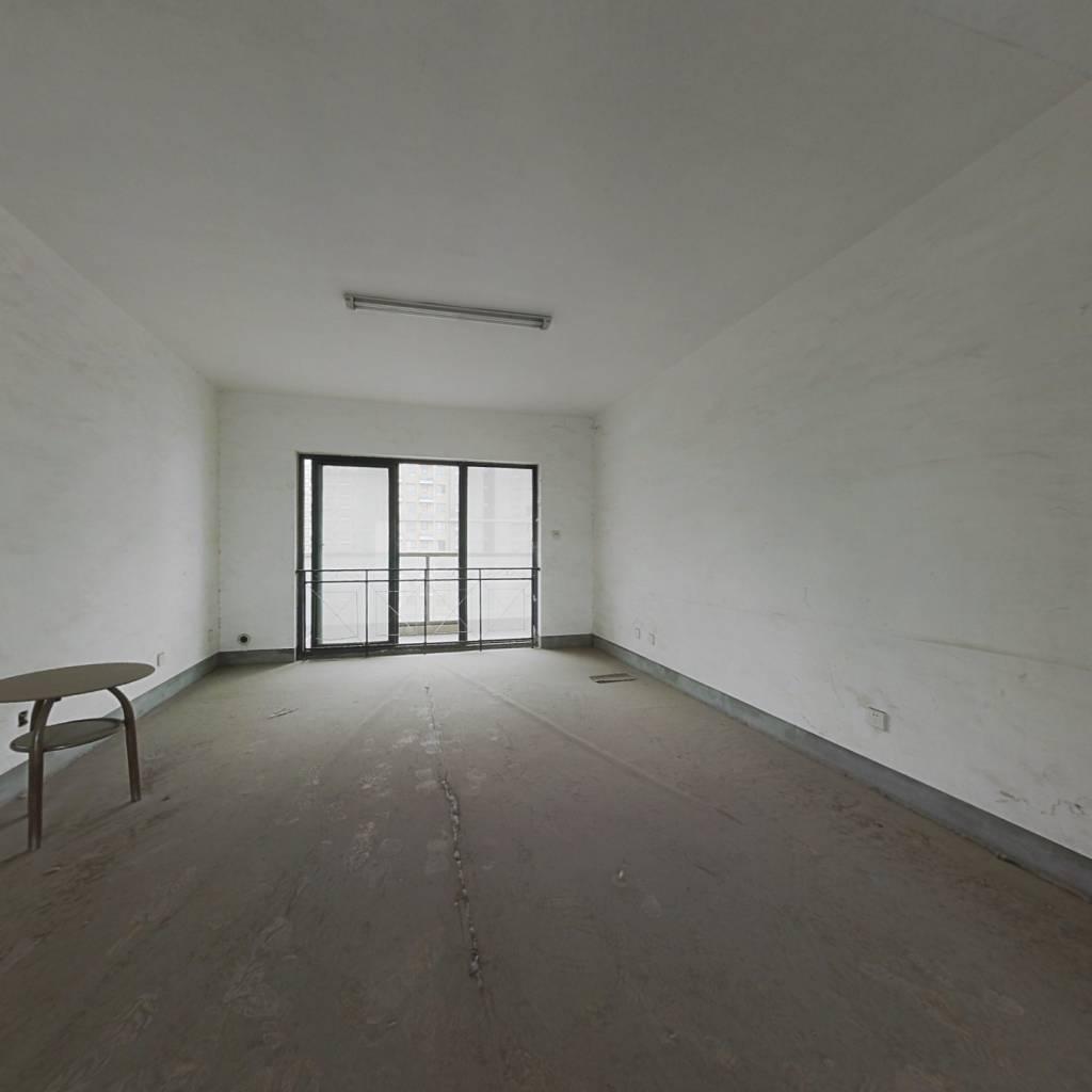 汉飞金沙国际 3室2厅 245万