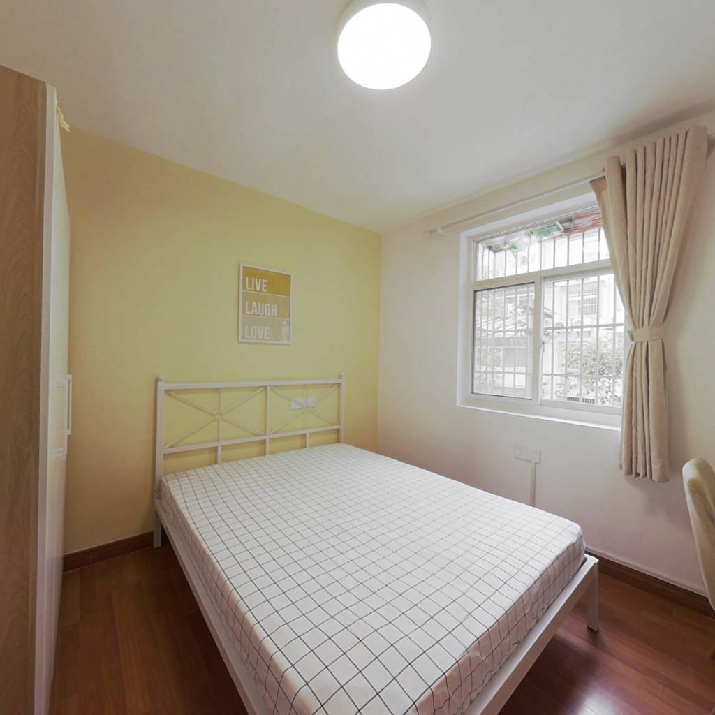 合租·王府园小区 3室1厅 南卧室图
