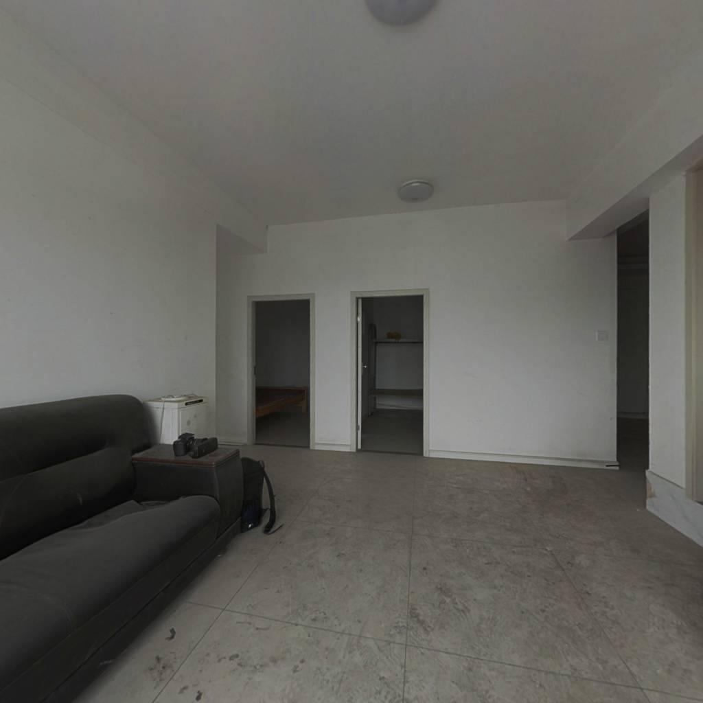 平层公寓简装房东诚意出售拎包入住