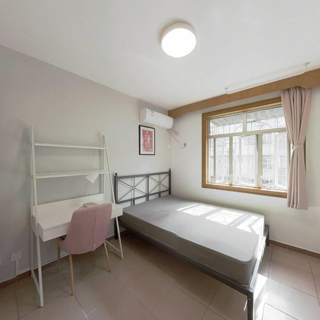 合租·锦洲花园 4室1厅 南卧室图