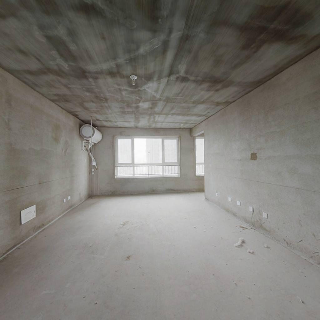 烟台山新院旁 中间楼层 打头房 采光无遮挡 视野好