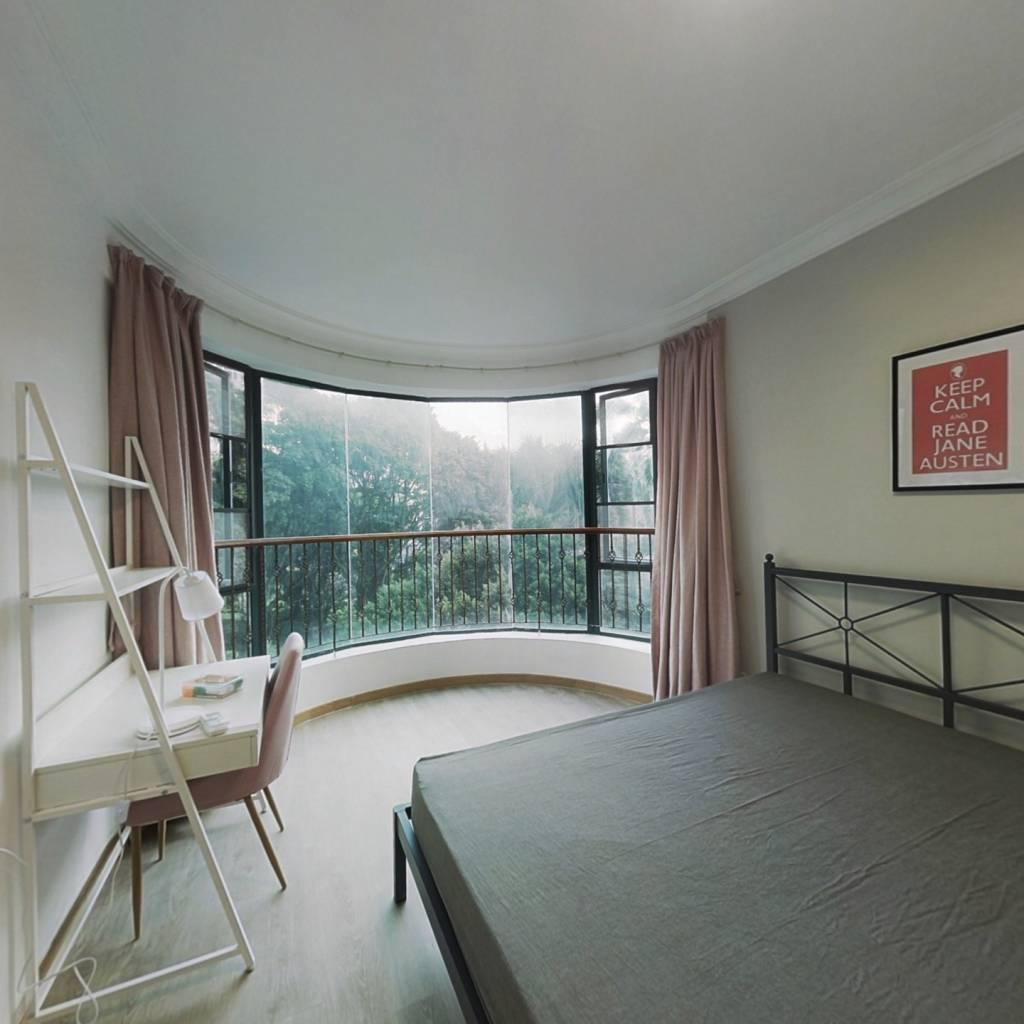 合租·金碧花园第三金碧 4室1厅 东北卧室图