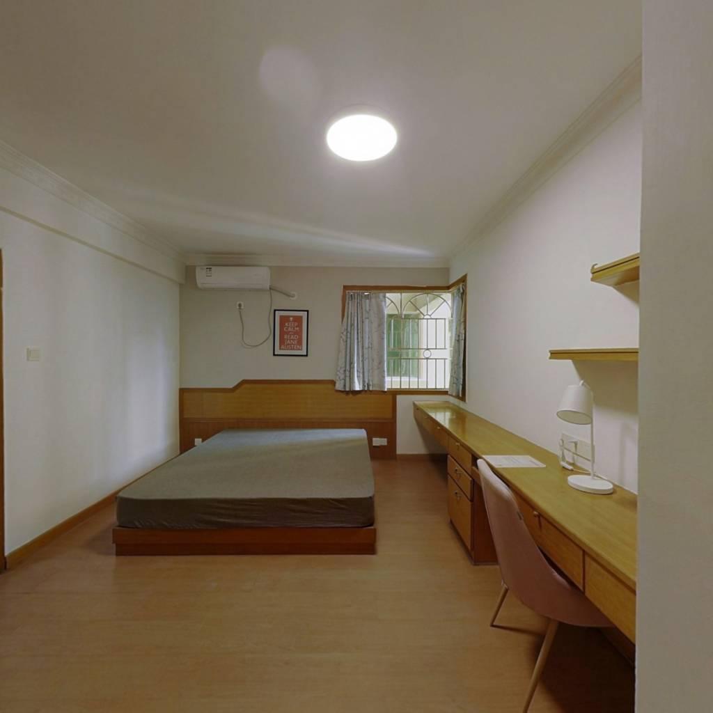 合租·麒麟花园A区 4室1厅 东卧室图