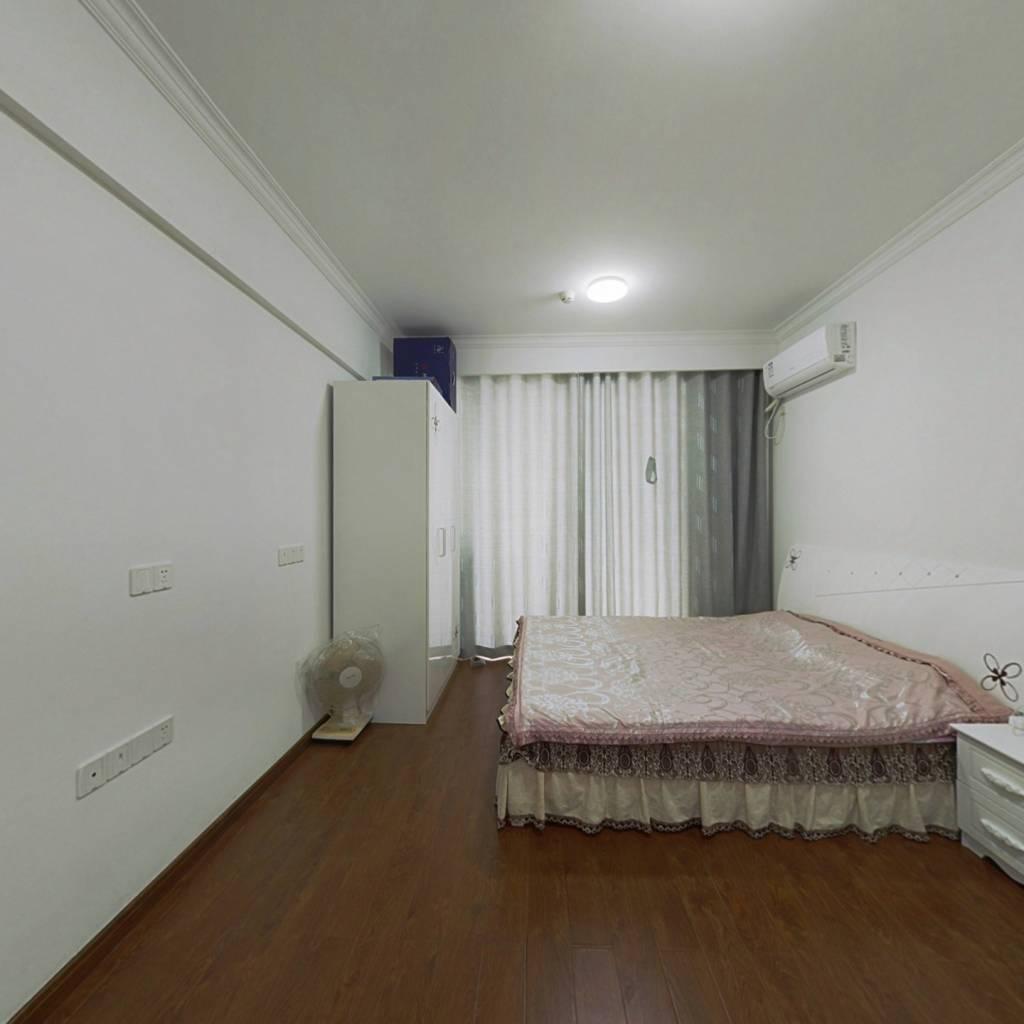世茂上游墅二期单身公寓 精品装修
