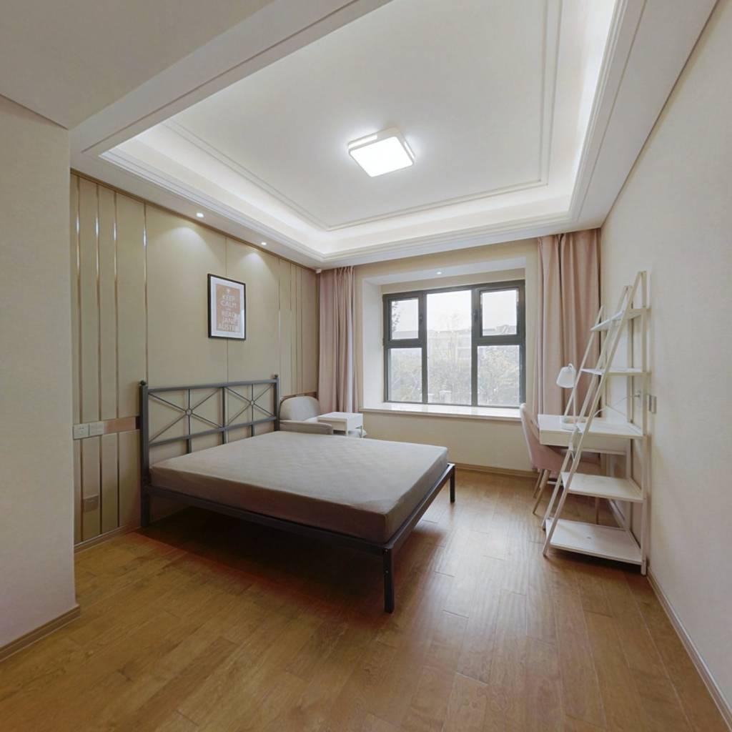 合租·绿地玉晖 5室1厅 北卧室图