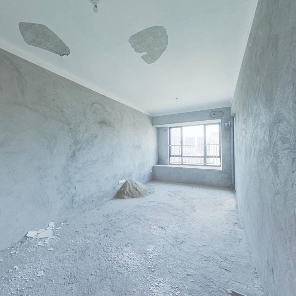 香水鸿门公寓小房 37平住宅产权 仅售42万