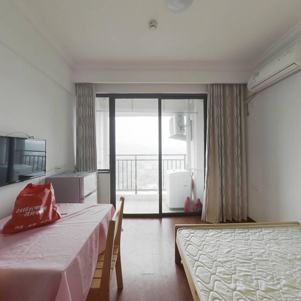 世茂二期 单身公寓 26平 开装 高层 看闽俗园 28万