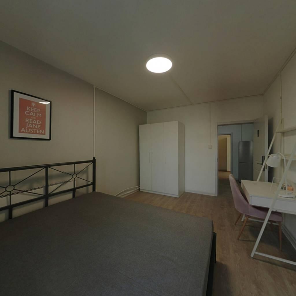 合租·凤园里 3室1厅 北卧室图