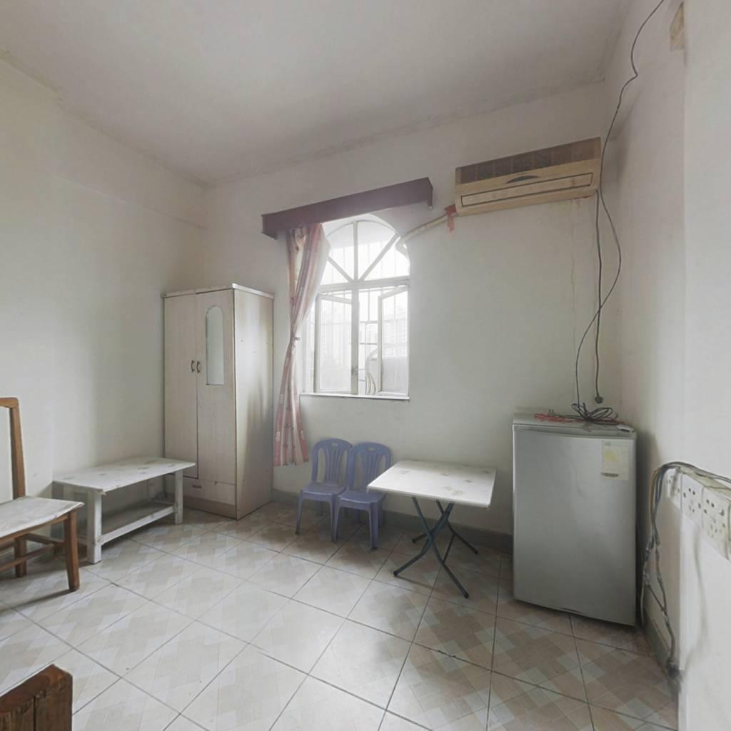 名嘉花园 1室1厅 东