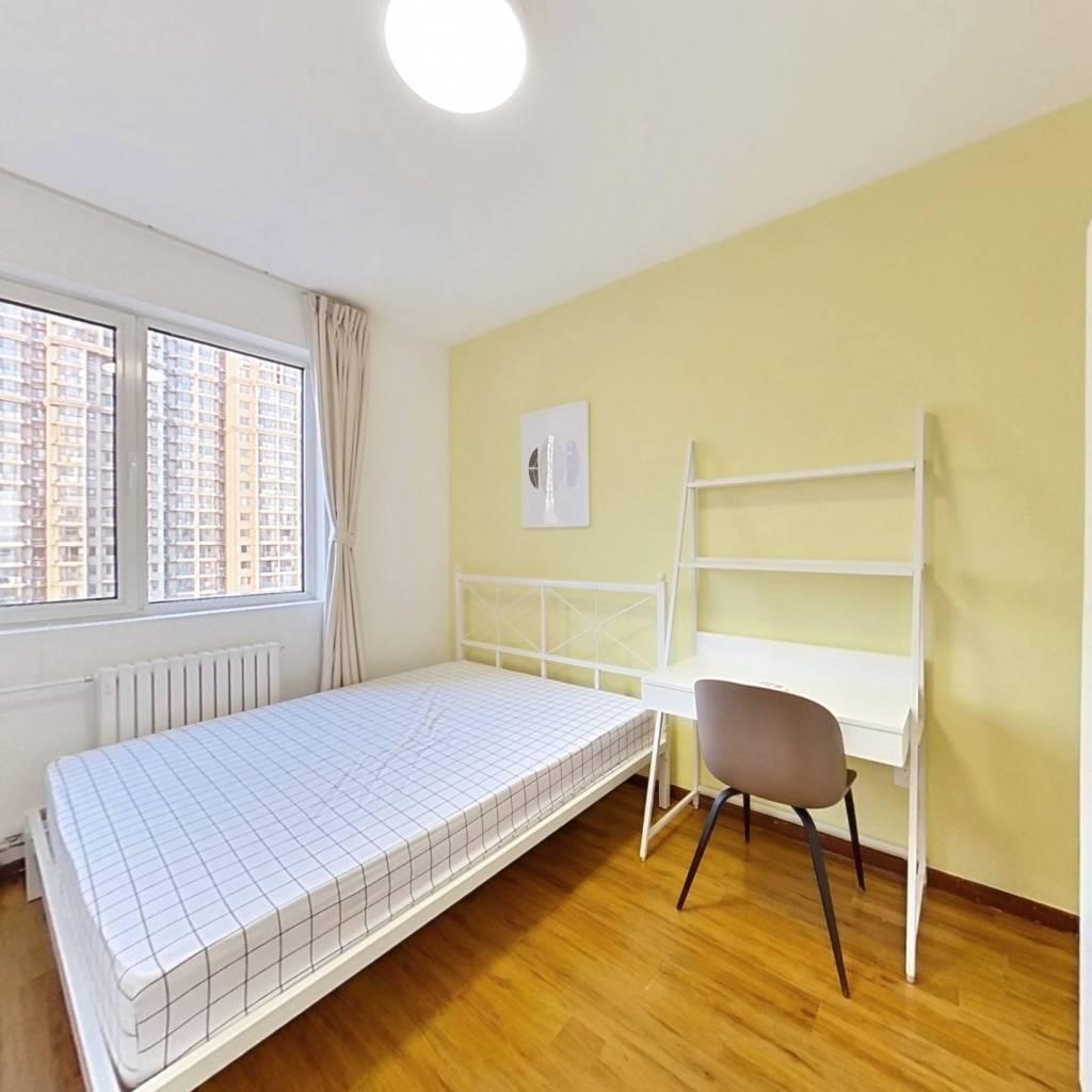 合租·泰福苑D2区 3室1厅 北卧室图