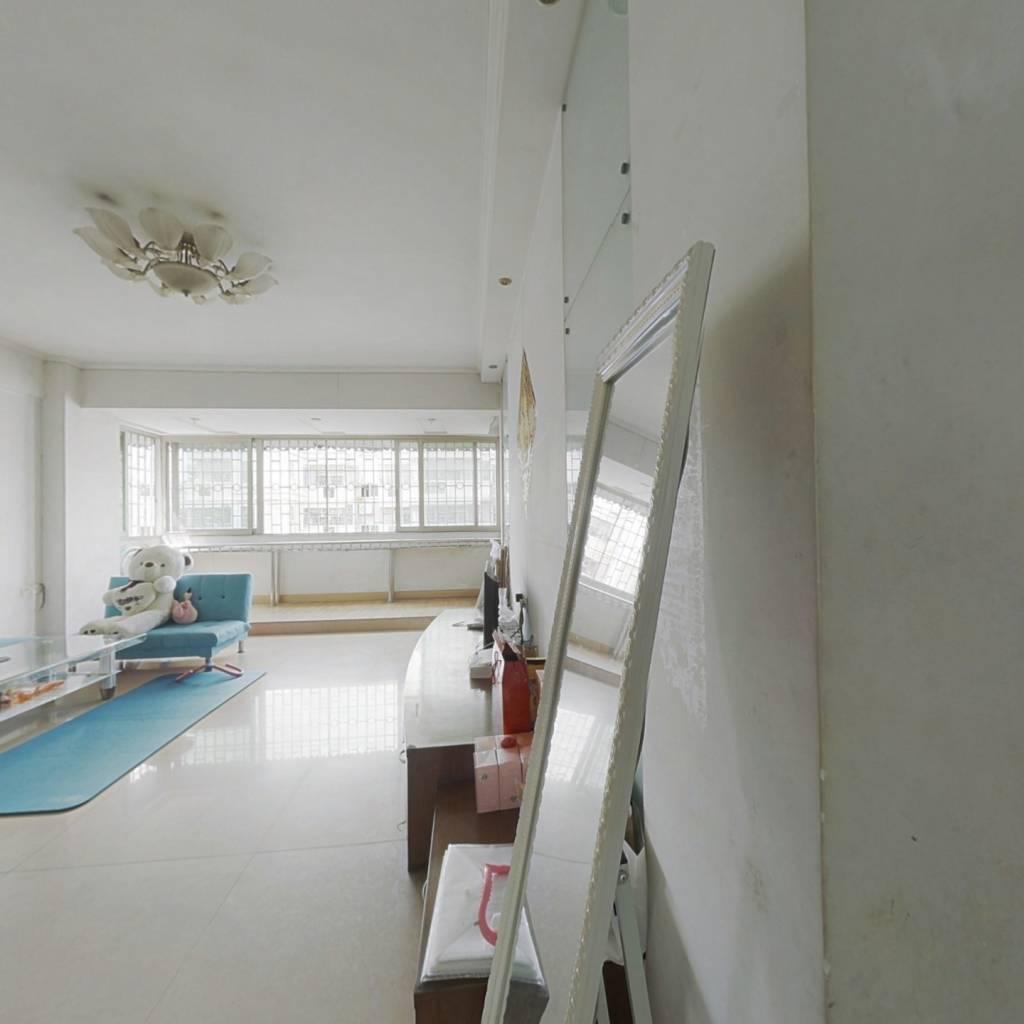:十小区楼层好,配套设施齐全、交通便利