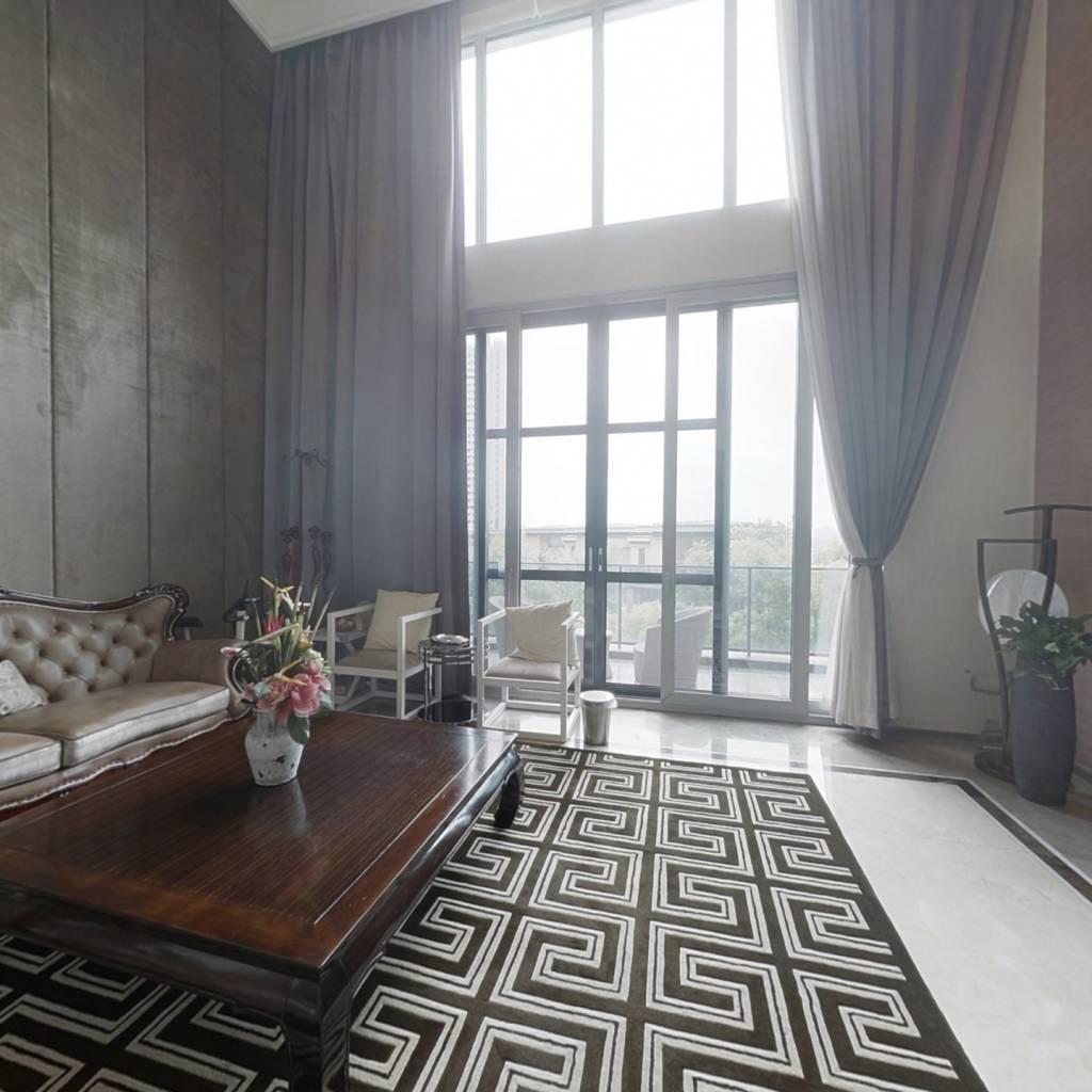 独栋别墅,湘江壹号的样板间,高档别墅区,位置安静。