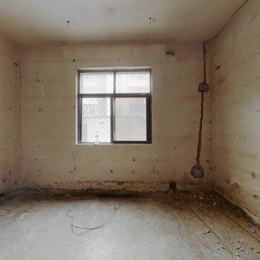 平西新村 4室1厅 南