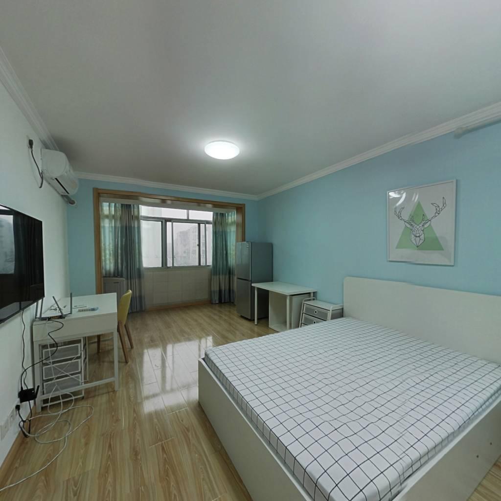 整租·三门路24弄 2室1厅 南北卧室图